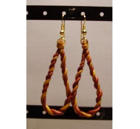 Orecchini pendente con lacci intrecciati di pasta fimo. mod. E02