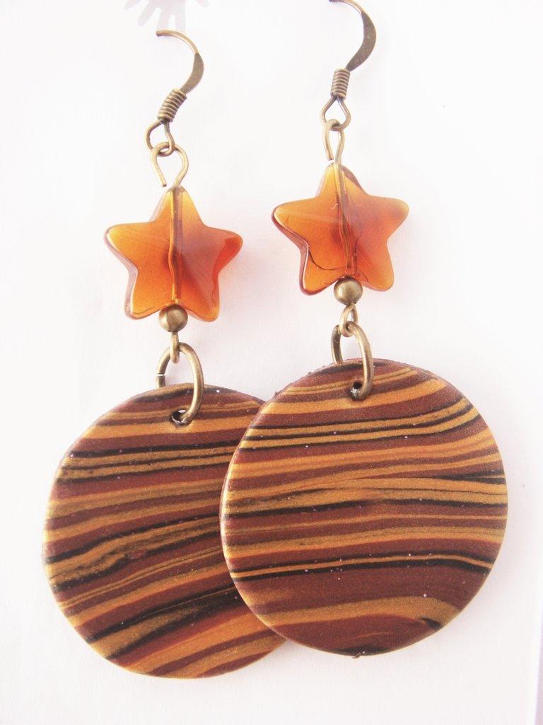 orecchini effetto legno in fimo fatti a mano