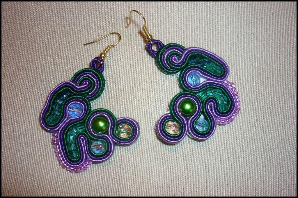 Orecchini delle Fate viola e verdi