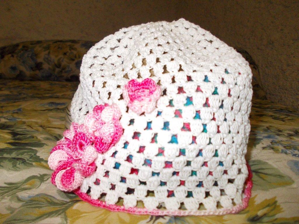 Cappellino con i fiori