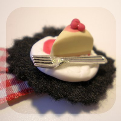LET'S EAT brooch