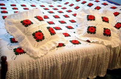 Copriletto fatto a mano,cuscini compreso