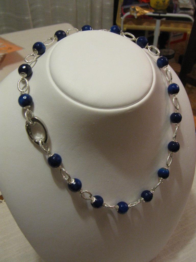 Collana in agata blu e alluminio