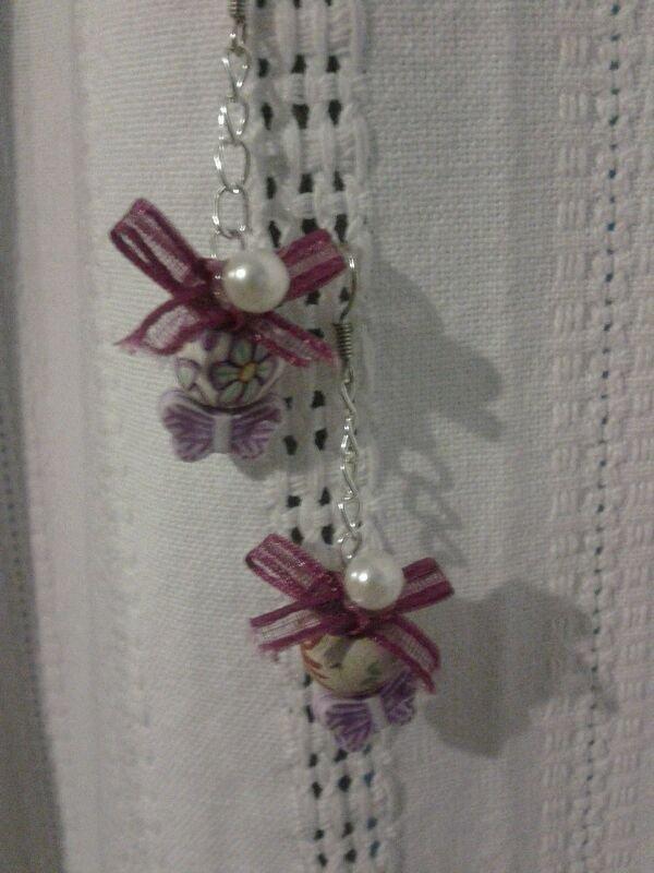Orecchini a catenella perla e farfalla