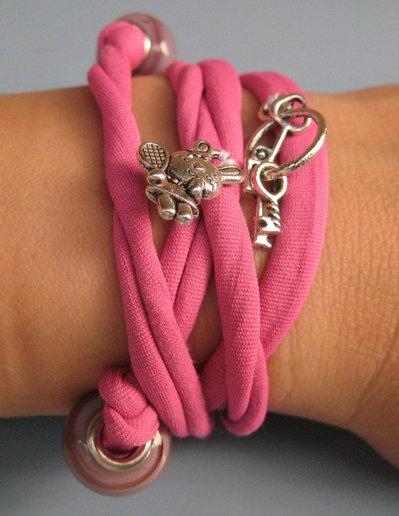 Bracciale in fettuccia elastica rosa ciclamino