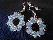 Orecchini pendenti fatti a mano con  cristalli bianchi,idea regalo.
