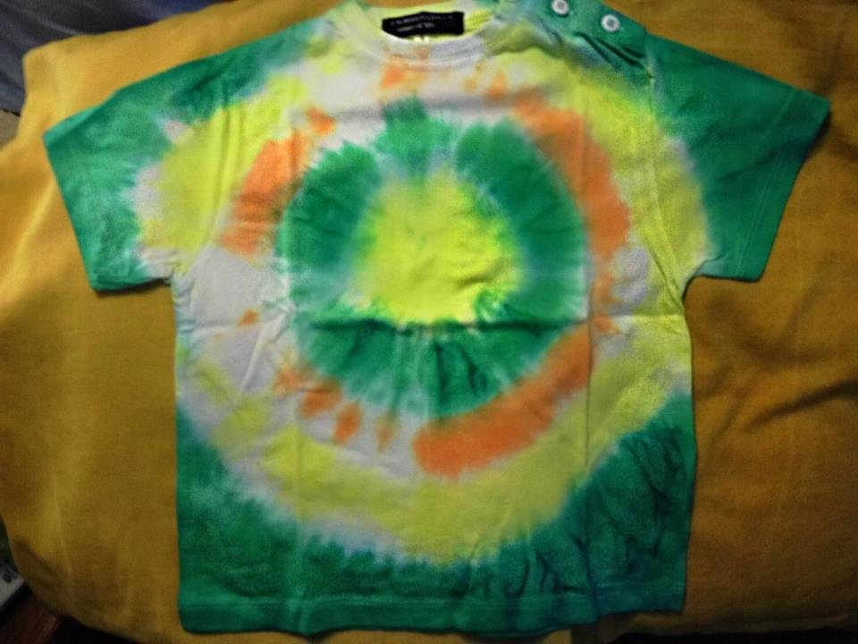 T-shirt tie and dye