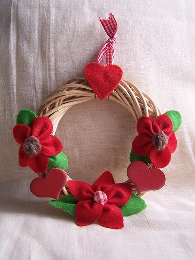 Coroncina fiori rossi in feltro