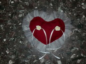 cuscino portafedi - cuore colore granata con tulle e rose