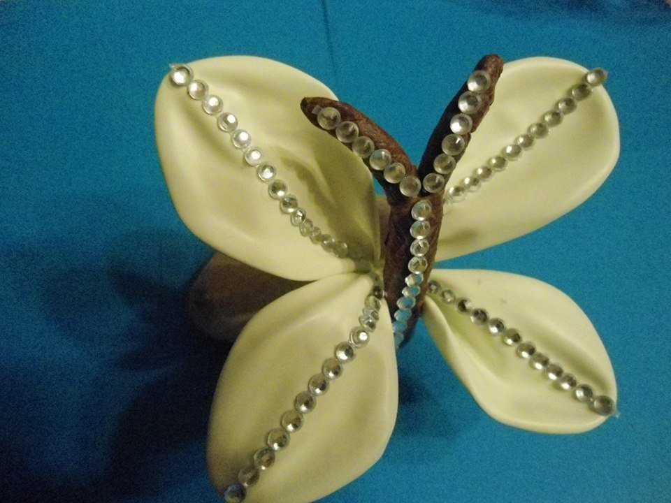 Farfalla in fantasy flower
