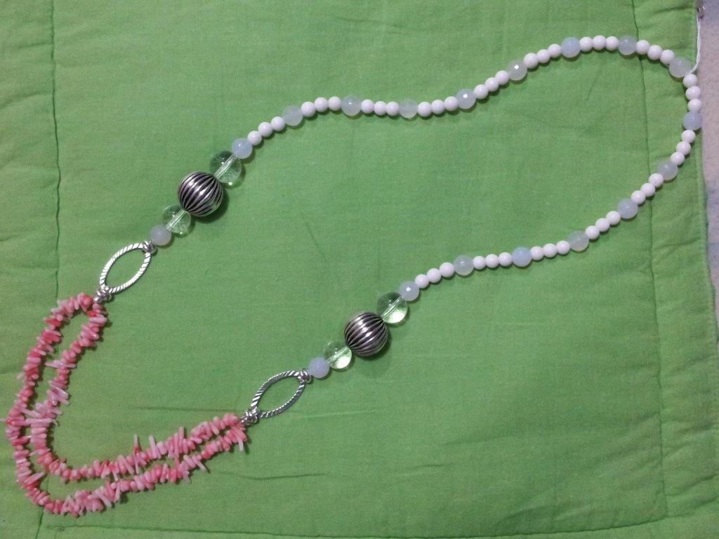 Collana pietre dure  e corallo con inserti metallici