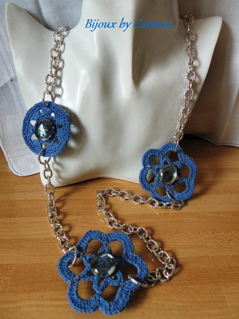collana lunga con inserti blu celeste