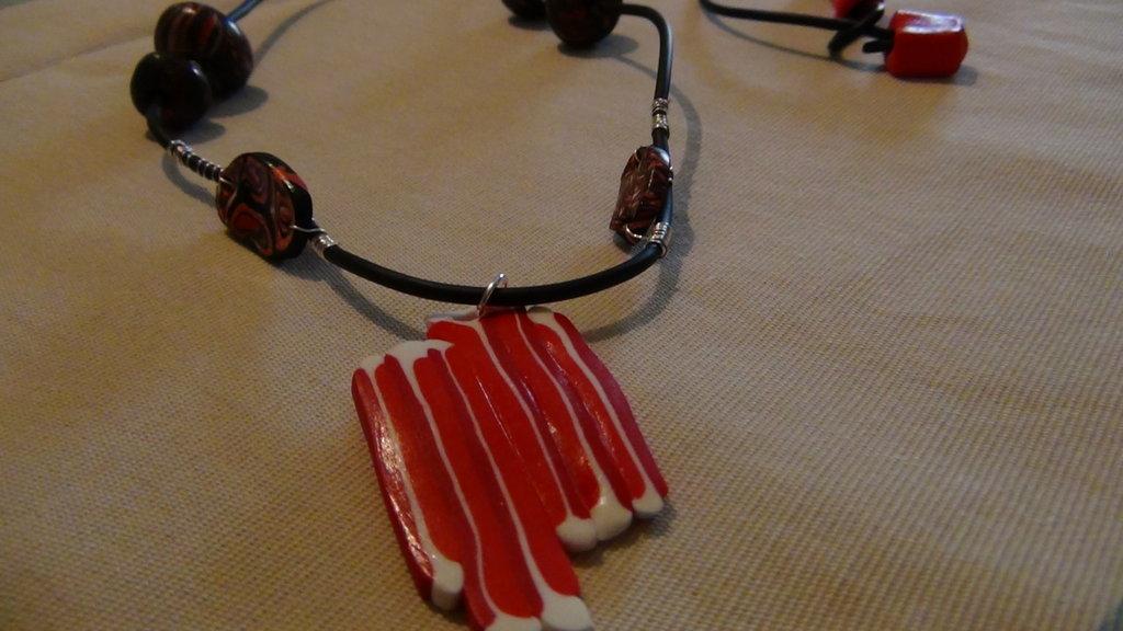 collana caucciu rossa