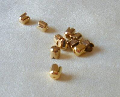 coppette ,copriperla,terminali colore oro 8 x 7 mm