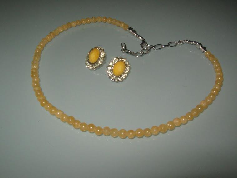 art 164 in giada gialla con orecchini e argento tibetano anallergico