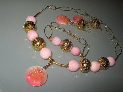 art 130 collana in corallo madrepora con pendente in madreperla intarsiato orecchini e bracciale
