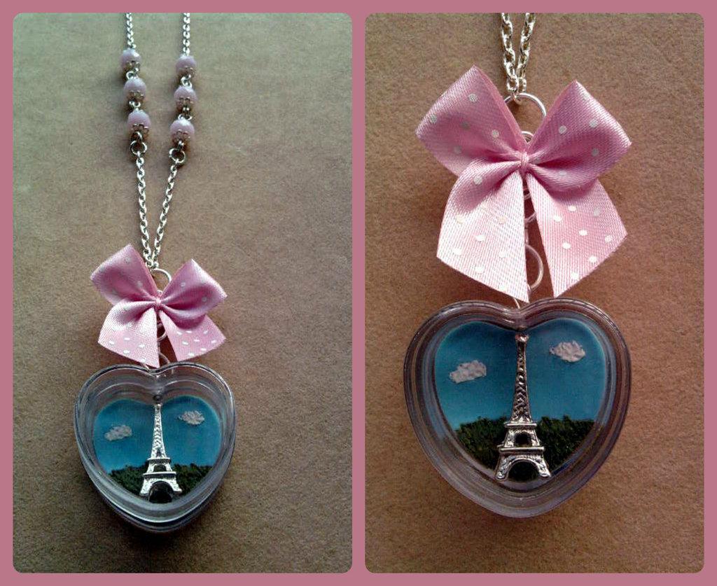 """Collana """"Paris"""" con Torre Eiffel in box a cuore fimo"""