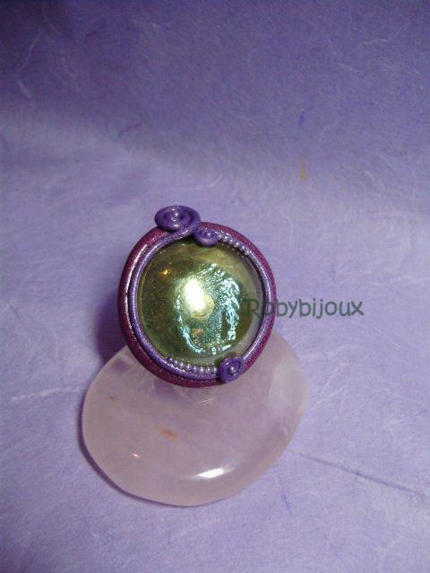 violet decoring ring