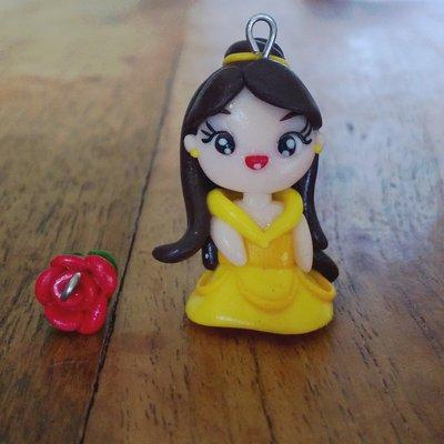 Ciondoli Belle e Rosa fatti a mano in fimo (orecchini, braccialetto, portachiavi, collana)