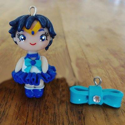 Ciondolo Sailor Mercury fatti a mano in fimo (orecchini, braccialetto, portachiavi, collana)