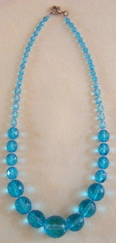 collana girocollo in mezzo cristallo  azzurro