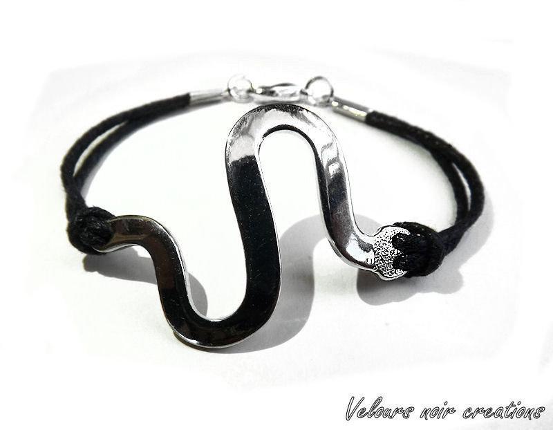 bracciale donna con serpente in metallo cordino nero