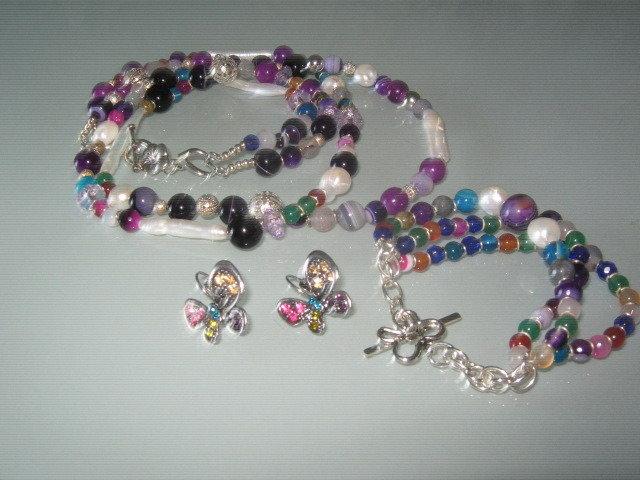 art 69 collana in agata multicolore trasparente, perle di fiume,3 fili,con bracciale e orecchini in  argento tibetano anallergico