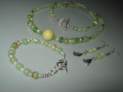 art  287  collana in agata verde chiaro  trasparente, perle round varie misure, con orecchini e bracciale,argento tibetano anallergico