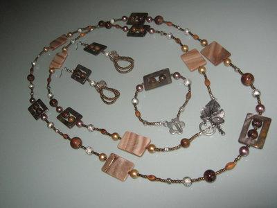 art 289 collana lunghissima, perle round varie misure in giada marrone e inserti in madreperla, con orecchini e bracciale,argento tibetano anallergico