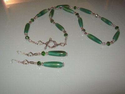 art 292 collana in agata verde trasparente, perle drum , con orecchini e bracciale,argento tibetano anallergico