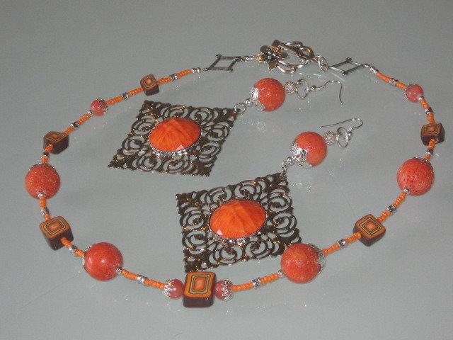 art  284 collana in corallo spugna colore arancio, perle round grandi, con orecchini in argento tibetano anallergico