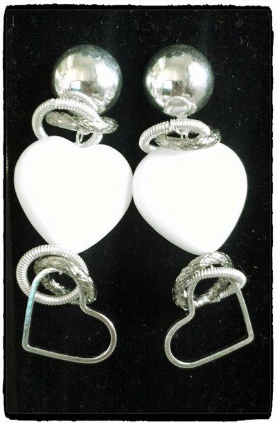 Orecchini cuore di agata bianca