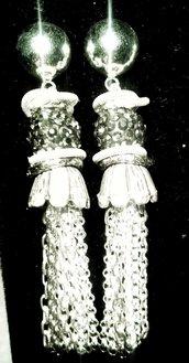 Orecchini con sfere di Swarovski nere
