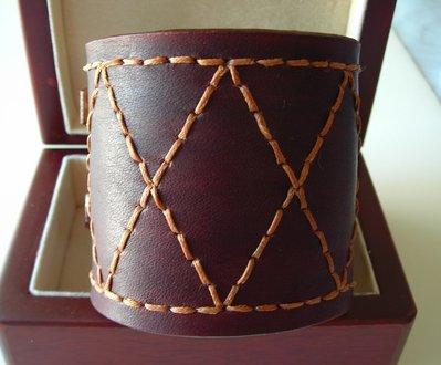 bracciale in pelle cuoio cucito a mano urban style hand-sewn leather cuff wristband