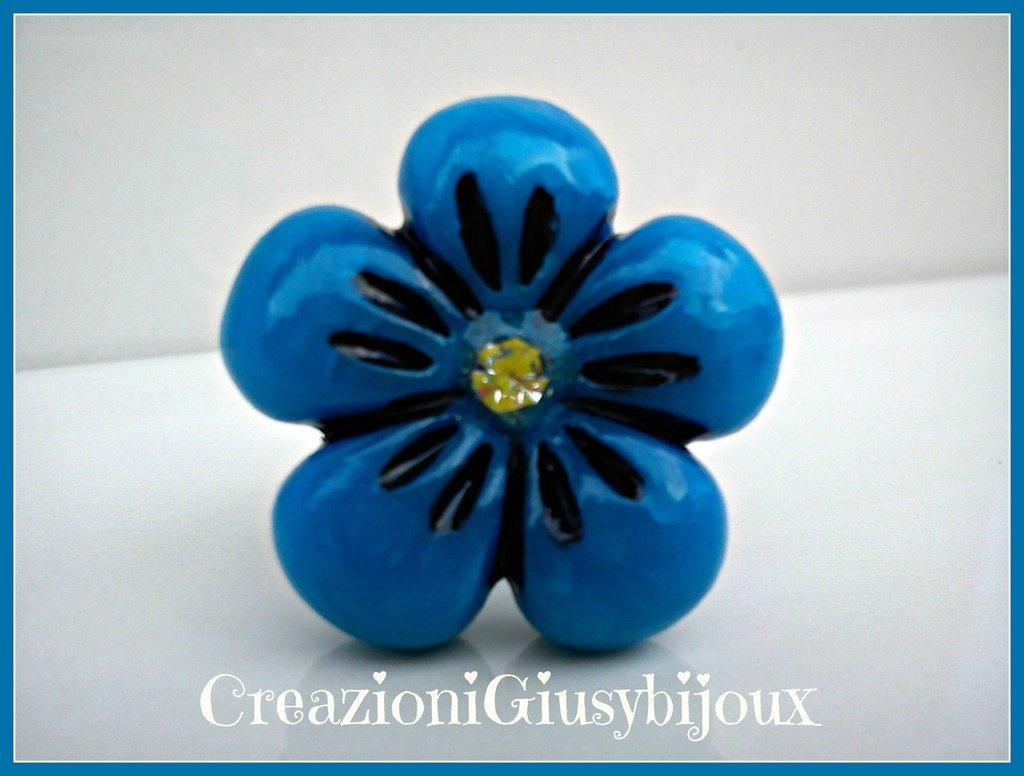 Brillante anello fiore blu azzurro con strass trasparente in fimo (polymer clay) fatto a mano