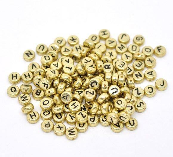 50 perle lettere alfabeto 7 mm dorate scontato