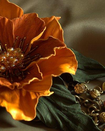 """fiore in pelle """"Regina d'autunno"""""""