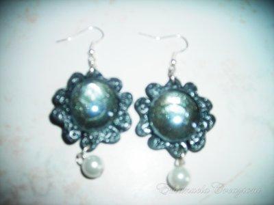 orecchini fiore con gemma di vetro