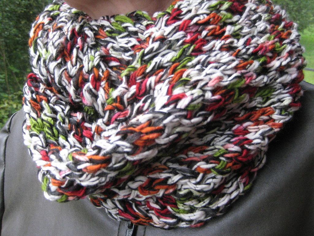 Scaldacollo / cappuccio / coprispalle in lana