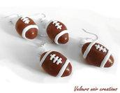 Orecchini palla da rugby creati a mano in fimo