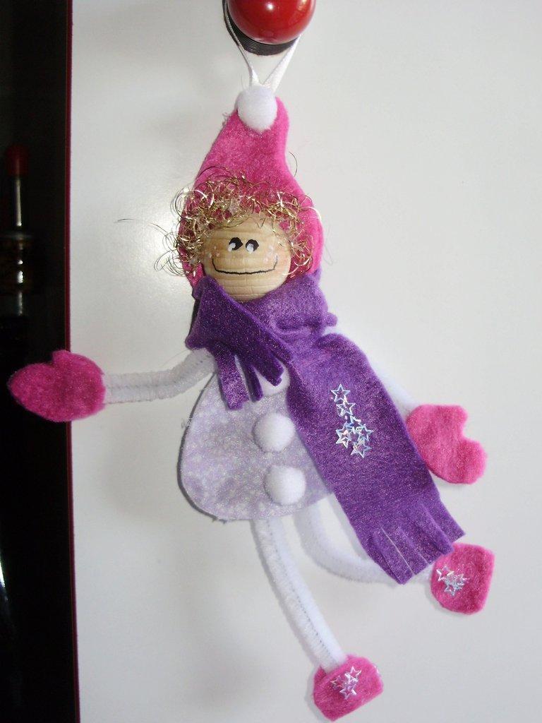 FOLLETTO ANIMATO realizzato con pannolenci, feltro lana, sfera legno dipinta a mano, ponpon, scovolino, interamente handmade