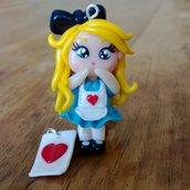 Ciondoli Alice e carta da gioco fatti a mano in fimo (orecchini, braccialetto, portachiavi, collana)