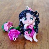 Ciondoli fatina delle rose e rose fatti a mano in fimo (orecchini, braccialetto, portachiavi, collana)