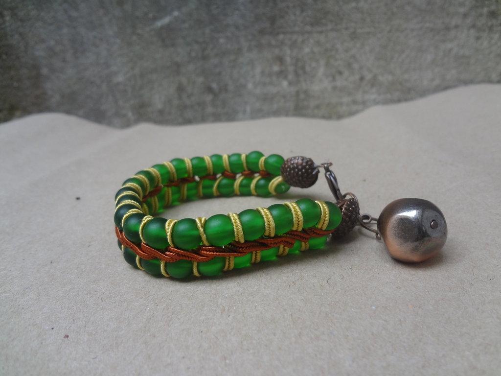 bracciale perle  vetro e soutache con ciondolo