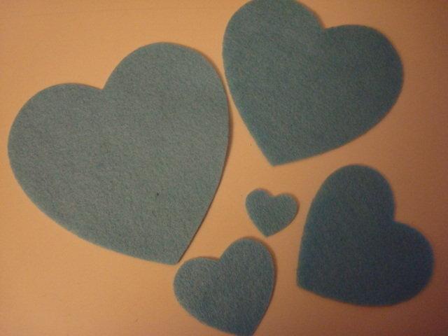 Set fustellati in feltro forma: cuore 5 pezzi