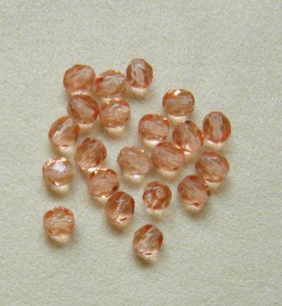 ,, OFFERTA ,, lotto  40  perline in mezzo cristallo  rosa da 6 mm.