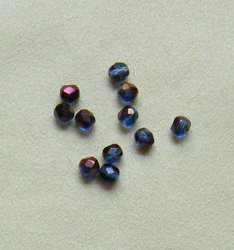 lotto  20  perline in mezzo cristallo  blu da 6 mm.