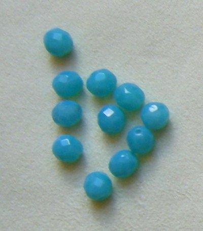 lotto  20  perline in mezzo cristallo  azzurro  opaco  da 8 mm.