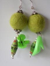 orecchini di carta verdi
