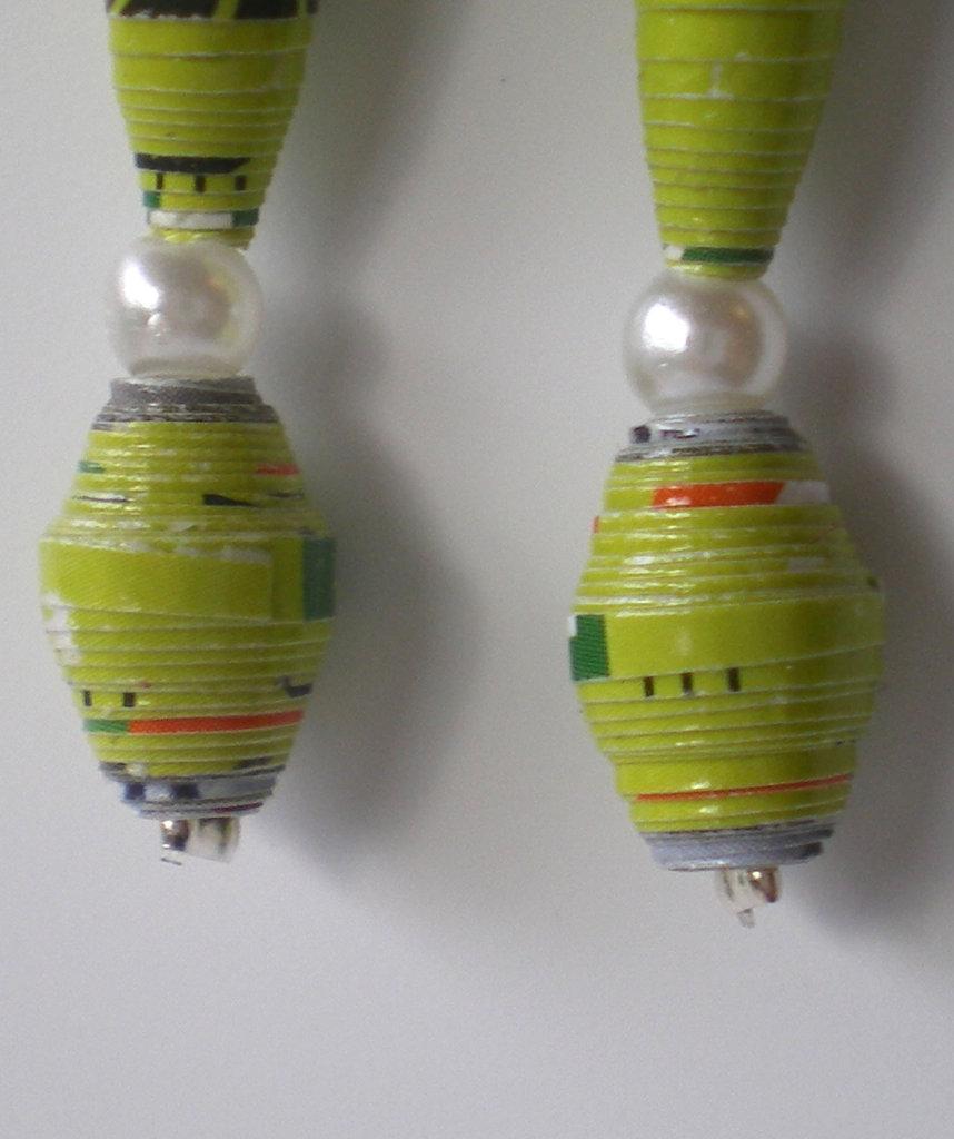 orecchini oblunghi verdi perla